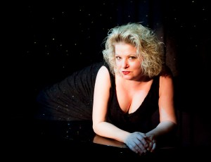 THEATRE PIZZAZZ REVIEW: Tanya Moberly  – Songs I Feel Like Singing with Ritt Henn